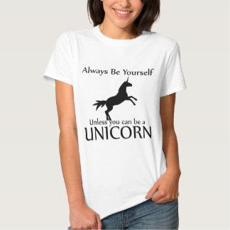 Sea usted mismo unicornio camisetas