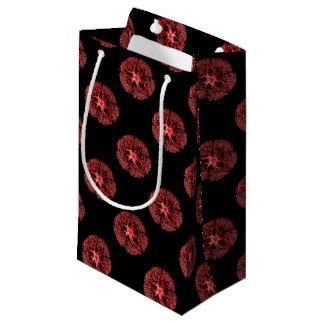 Sección del tentáculo en rojo bolsa de regalo pequeña