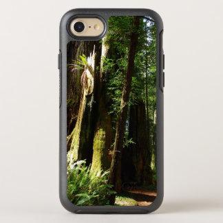 Secoyas y helechos en el parque nacional de la funda OtterBox symmetry para iPhone 8/7