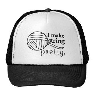 Secuencia bonita del gorra/ganchillo que hace