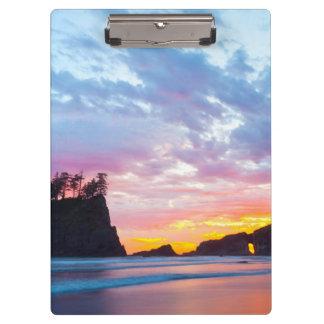 Segunda playa en la puesta del sol, Washington