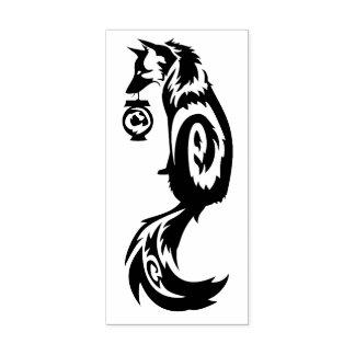 Sello De Caucho Fox Kitsune tribal con la linterna del alcohol