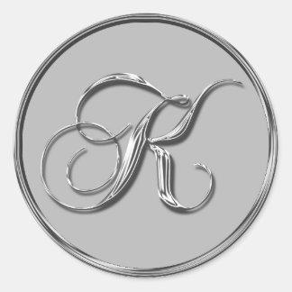 Sello formal de plata del monograma K del boda Pegatina Redonda