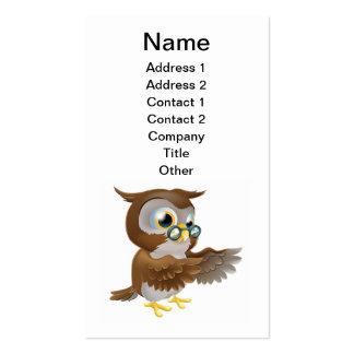 Señalar el búho lindo del dibujo animado tarjeta de visita