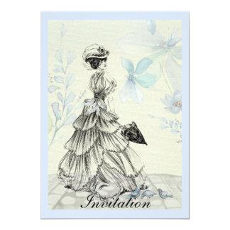 Señora bonita del vintage y flores azules invitación 12,7 x 17,8 cm