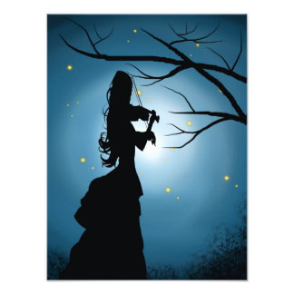 Señora del Victorian que toca un violín Cojinete