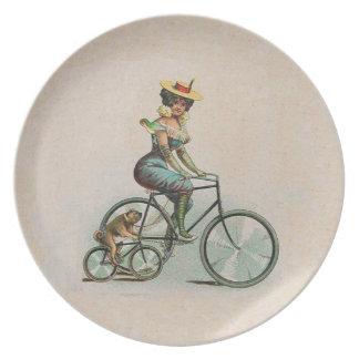 Señora Dog Bicycle del Victorian del vintage Plato De Comida