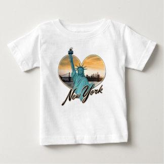 Señora Liberty del recuerdo del horizonte de NYC Camiseta De Bebé