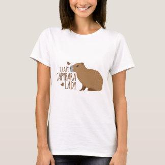 señora loca del capybara camiseta