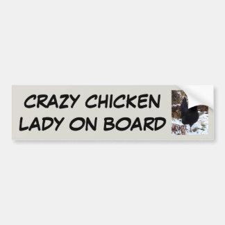 Señora loca del pollo a bordo pegatina para coche