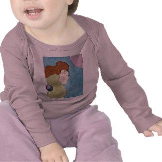 señora y la camiseta de la luna para su pequeño