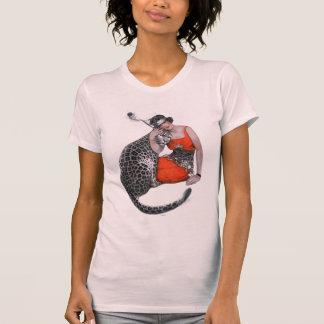 Señora y leopardo camisetas