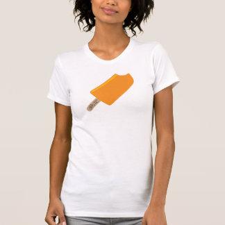 Señoras que completan un ciclo la camiseta