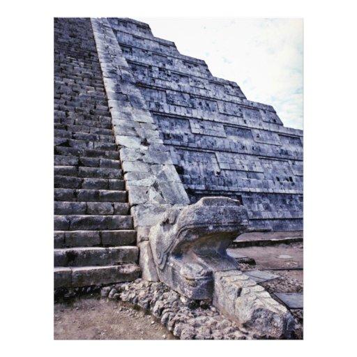 Serpiente emplumada en el EL Castillo Tarjetones