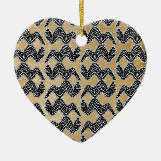 Serpiente mexicana adorno navideño de cerámica en forma de corazón