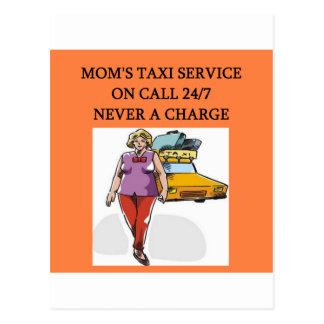 servicio del taxi de la mamá tarjeta postal