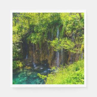 Servilleta De Papel Cascadas en el parque nacional de Plitvice en