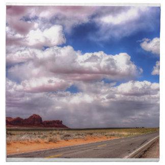 Servilleta De Tela Nubes sobre el valle del monumento, UT