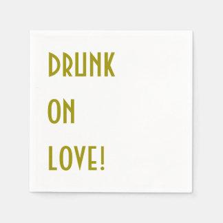 Servilleta del cóctel del boda: ¡Bebido en amor! Servilletas Desechables