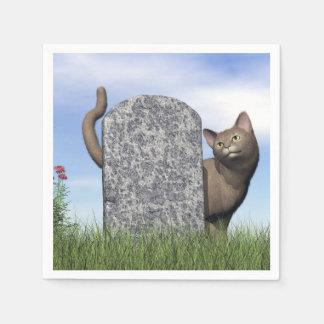 Servilleta Desechable Gato triste cerca de la piedra sepulcral