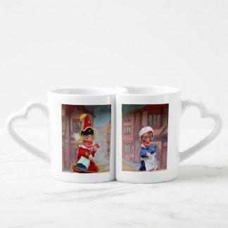Set De Tazas De Café El polluelo del sacador y de Judy asalta para los