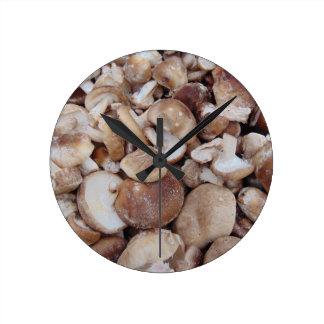 Setas de Shiitake Reloj Redondo Mediano