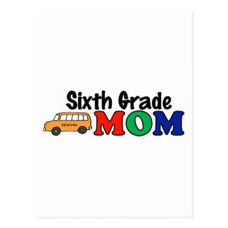 Sexta mamá del grado tarjetas postales