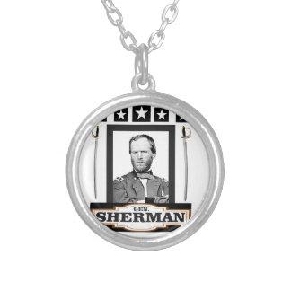 Sherman protagoniza las espadas collar plateado