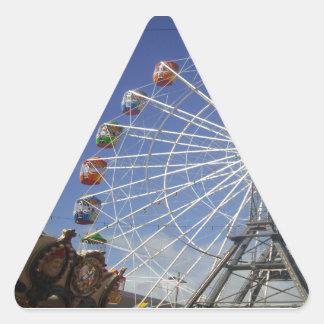Show_Time, _Ferris_Wheel, _ Pegatina Triangular