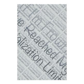 Si estoy frunciendo el ceño… en gris folleto 14 x 21,6 cm