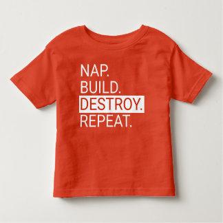 Siesta. Estructura. Destruya. Repita. Camisa del