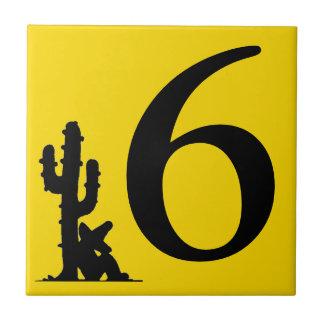 Siesta por número caliente del amarillo del cactus azulejo cuadrado pequeño
