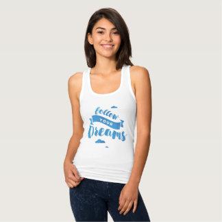 Siga sus camisetas sin mangas azules de la