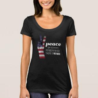 Signo de la paz cubierto en bandera americana - camiseta