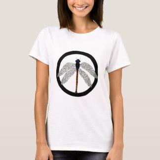 Signo de la paz de la libélula camiseta