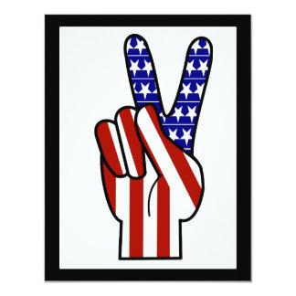 Signo de la paz de la mano - blanco y azul rojos invitación 10,8 x 13,9 cm