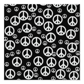 Signos de la paz blancos y negros invitación 13,3 cm x 13,3cm