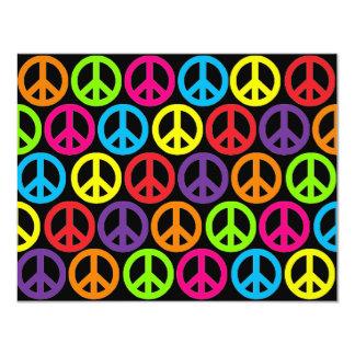 Signos de la paz multicolores múltiples invitación 10,8 x 13,9 cm