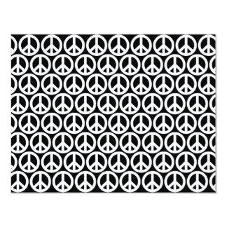 Signos de la paz negros y blancos invitación 10,8 x 13,9 cm