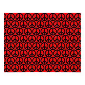 Signos de la paz negros y rojos invitación 10,8 x 13,9 cm