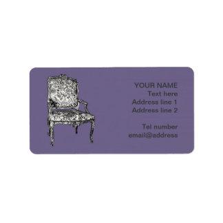Sillas de la regencia en gris de la lila etiquetas de dirección