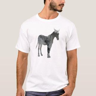 Silueta abstracta de la mula camiseta
