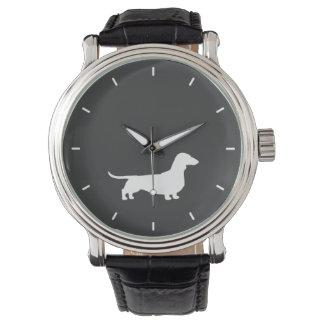 Silueta blanca del Dachshund Reloj De Mano
