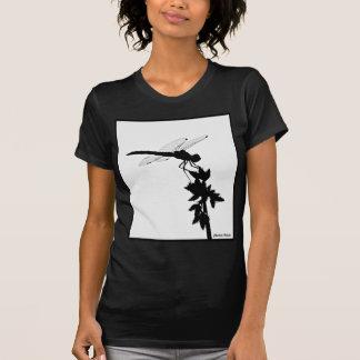Silueta de la libélula camiseta