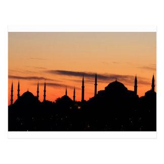 Silueta de la mezquita azul y de Hagia Sophia Postal