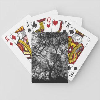 Silueta del árbol barajas de cartas