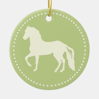 Silueta del caballo de Paso Fino Adorno Redondo De Cerámica