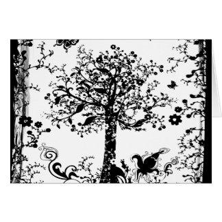 Silueta negra y blanca de la mariposa del árbol tarjeta de felicitación