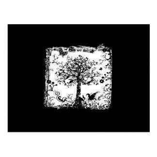 Silueta negra y blanca de la mariposa del árbol postales
