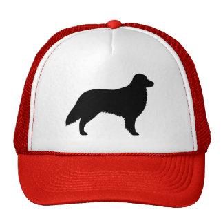 Silueta revestida plana del perro perdiguero gorras